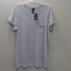 NWT Torrid 6k Arrow Print Pocket Tee Sz. 2